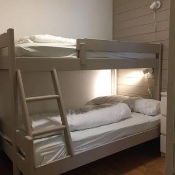 Familiestapelbed met breder onderbed Appartementen Skarsnuten Fjellandsby