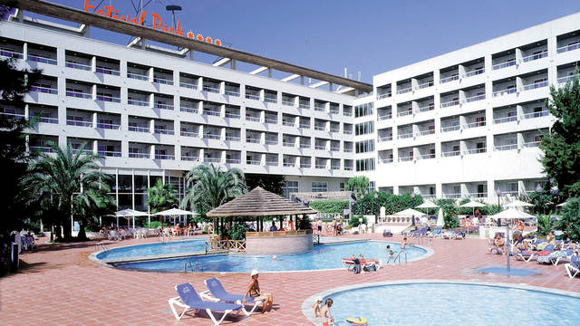 Zwembad ligging Hotel Estival Park