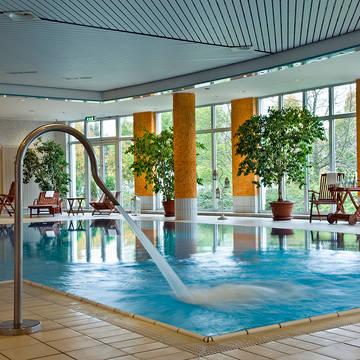 Overdekt zwembad Ramada Hotel Weimar