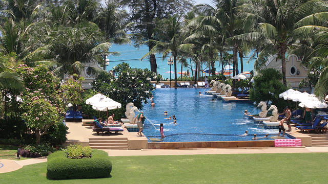 Phuket Graceland - Zwembad Phuket Graceland Resort & Spa