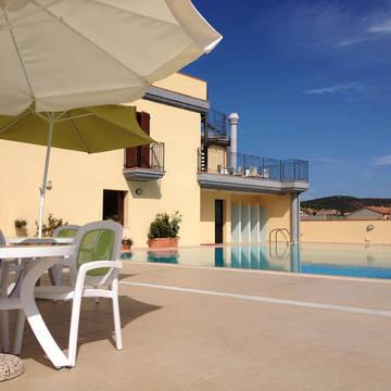 Exterieur met zwembad Appartementen le Fontane